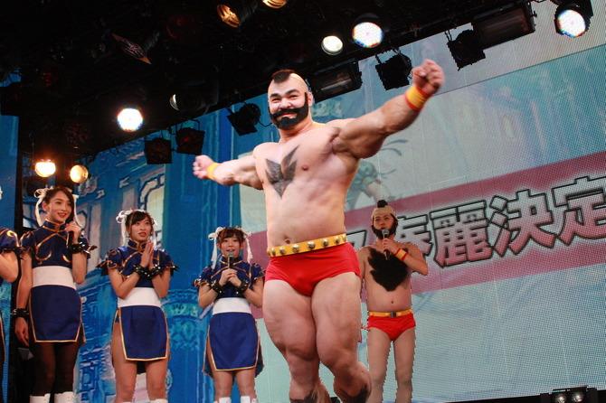 『ストリートファイターV』完成発表会レポ\u2015春麗コスプレやプロゲーマーの対戦など!