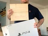 少年に訪れた悲劇…クリスマスプレゼントのPS4、箱の中身は「落書きされた木片」
