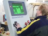 海外改造マニアが実際に遊べる巨大ゲームボーイを制作!