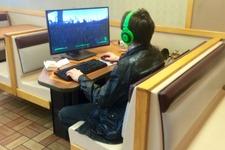 本日の一枚『Fallout 4プレイヤー、飲食店で再び』