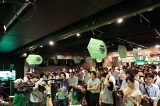 【Xbox One発売特集】24時間「インサイド Xbox」をフォトレポート、夜のアキバに集う熱気