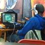 本日の一枚『Fallout 4をスタバでプレイする猛者』