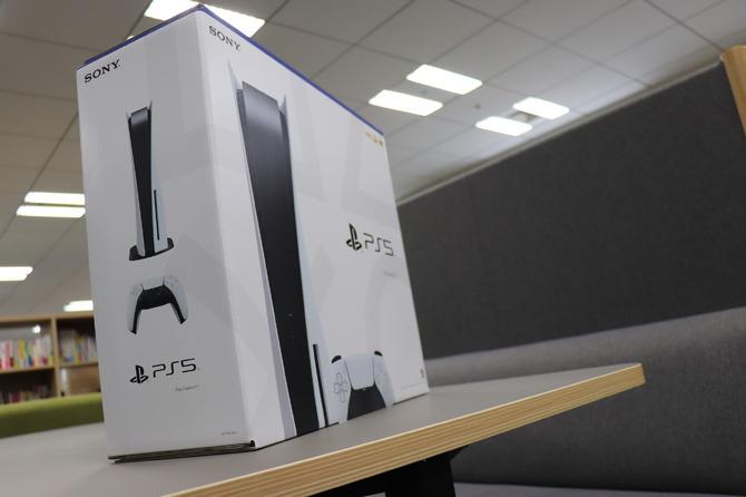 編集部にPS5が到着!まずは外箱をじっくりチェックだ……! 3枚目の写真・画像 | Game*Spark - 国内・海外ゲーム情報サイト