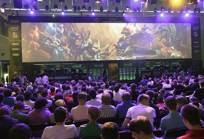Image result for e-sports 観戦